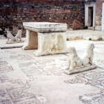 7j Sardis Synagogue table and lions (close)